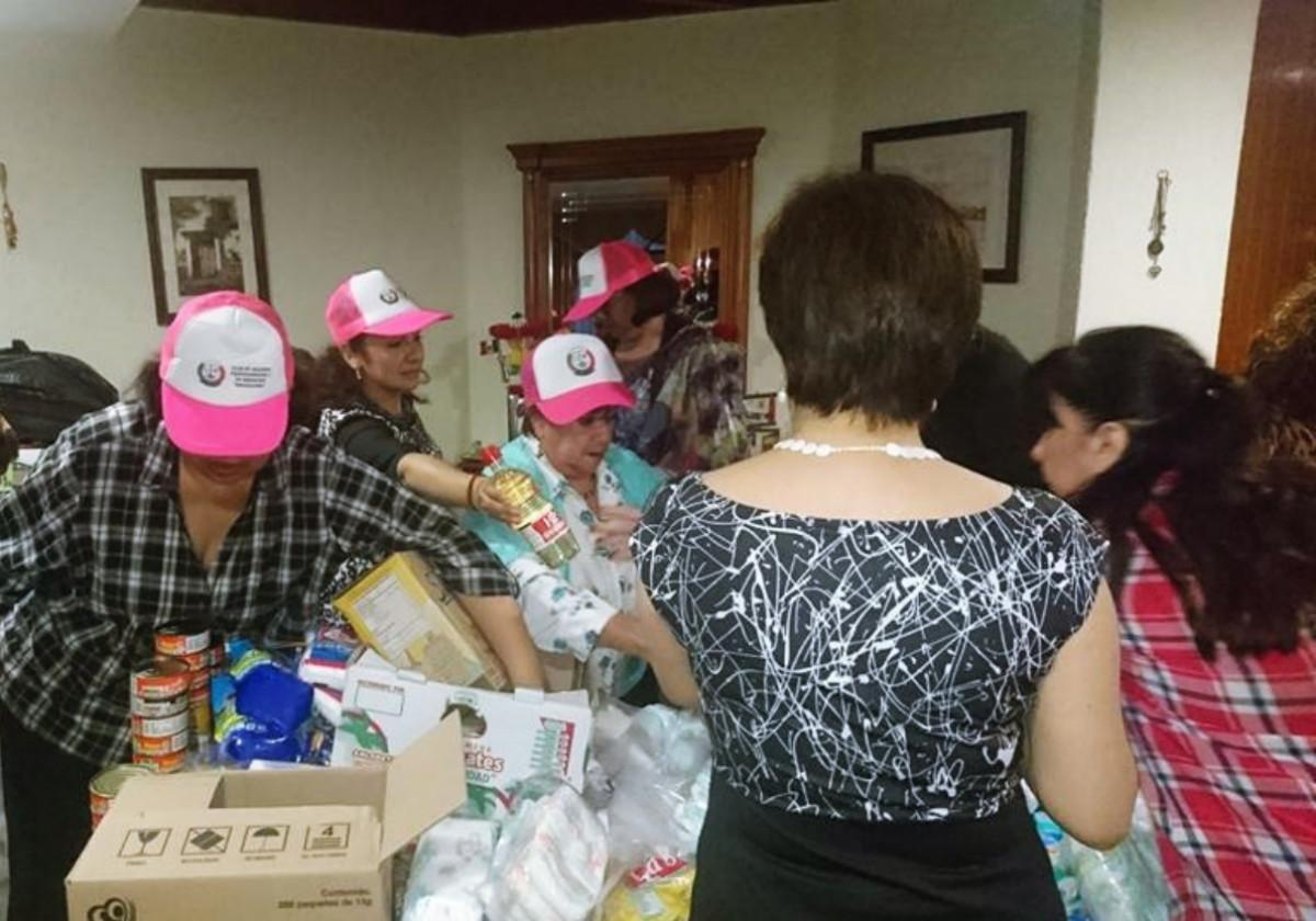 Club Naucalpan trabajando en apoyo a los afectados por el terremoto.